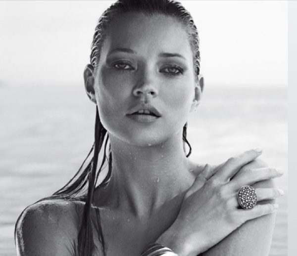 Kate Moss wearing a David Yurman bracelet