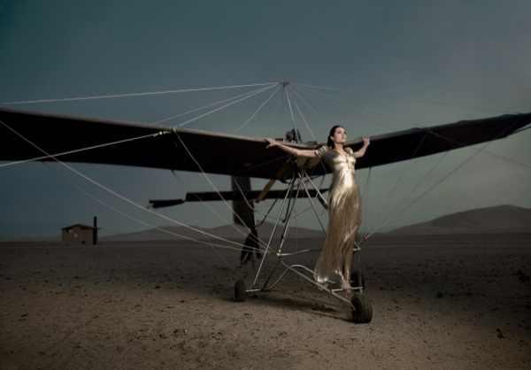 Angelina jolie aeroplane