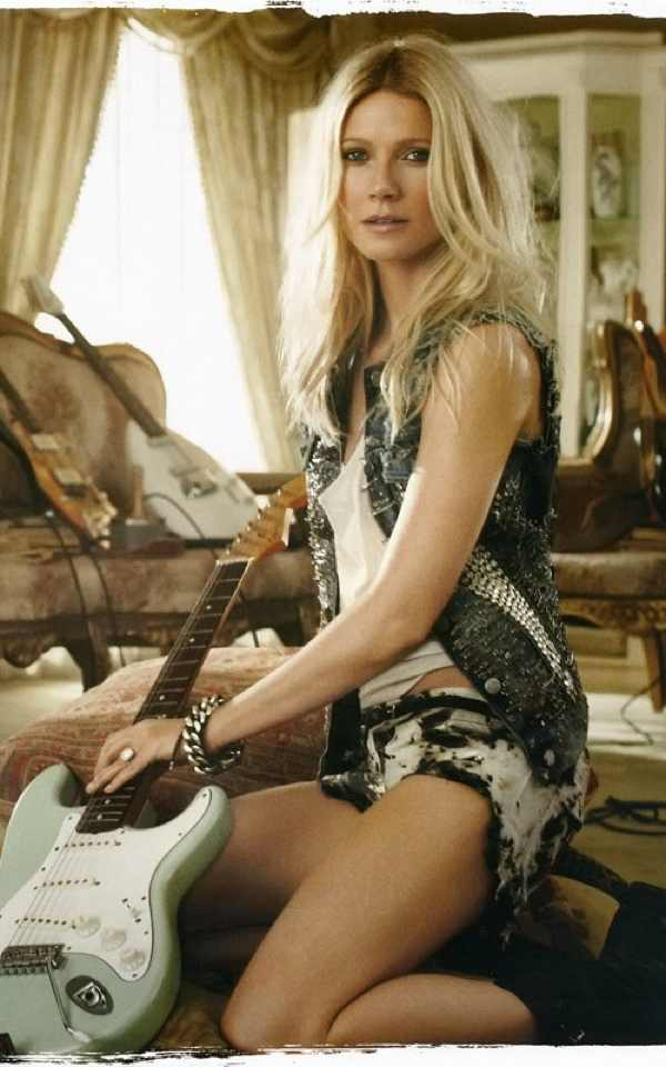 Gwyneth Paltrow guitar