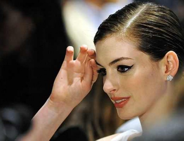 anne-hathaway face eyeliner evening make up