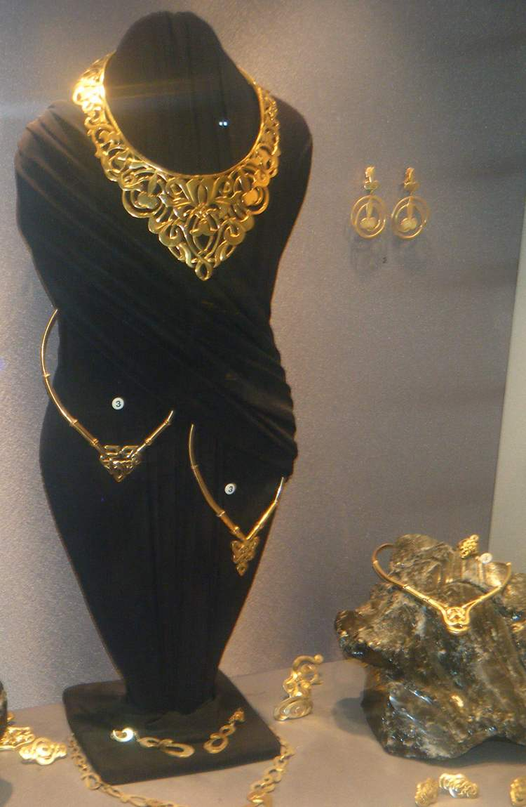 Gold Artistic Jewelry at the Ilias Lalaounis Museum