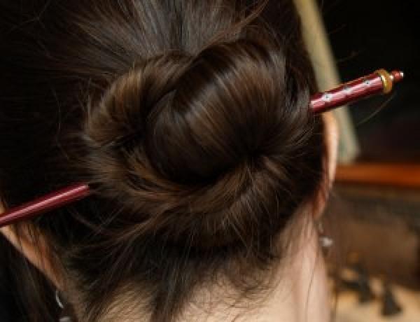 hair chop sticks