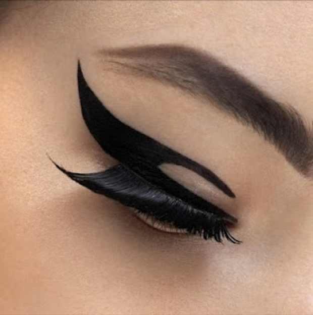 Dior velvet eyeliner eyes