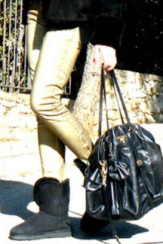 Ugg Black golden pants Prada bag