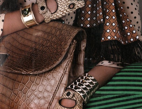 W mixing bold accessories, lively prints and statement jewelry