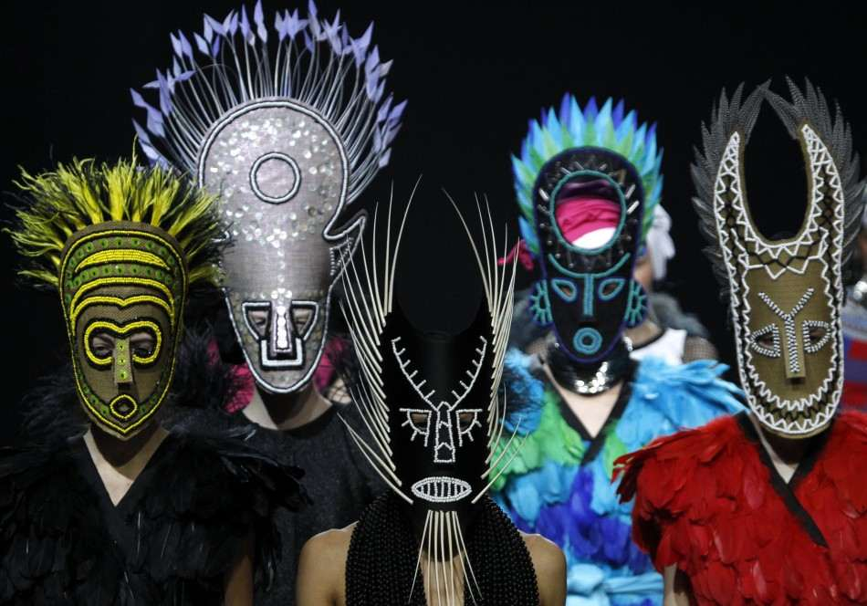 CARNIVAL PARTY FASHION- Trendy Ideas for Fancy Hair Styles and Extreme Make-up !