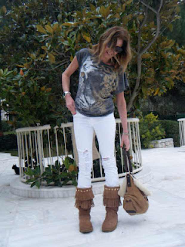 T-shirt Tiger and Jimmy Choo Uggs