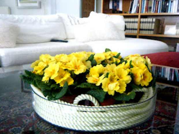 Coffee Table decor round vase yellow flower decoration