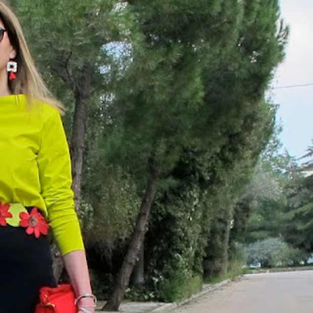 Earrings, Outfit red and lime