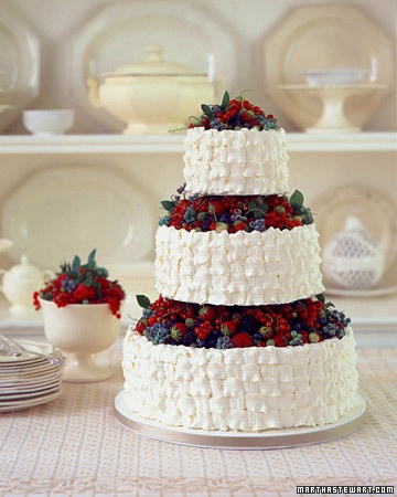 wedding cake strawberries