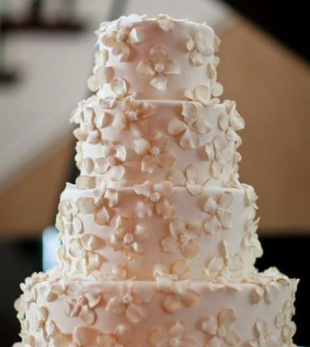 elegant white wedding cake, 4 tier round white wedding cake with mini white flowers