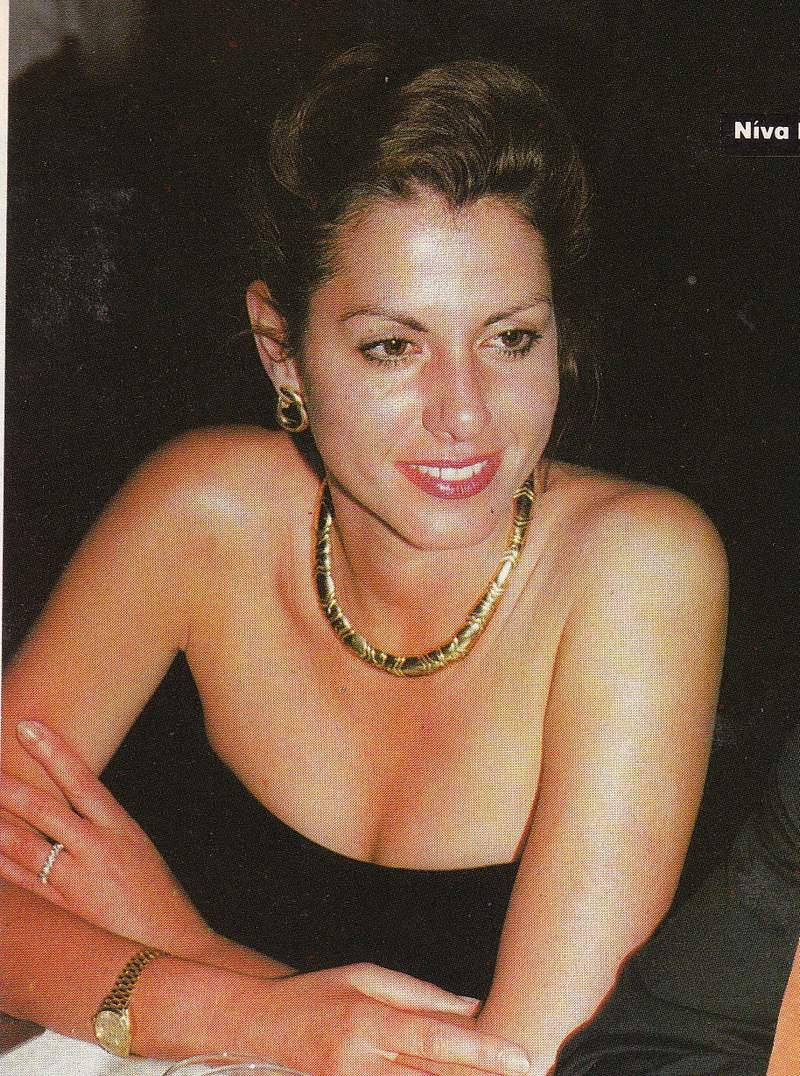 GYNAIKA, August 1994, Best Dressed List