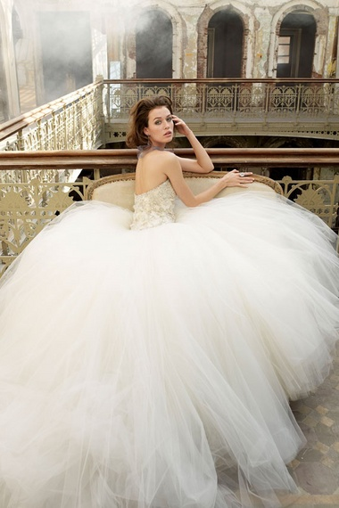 Huge Tulle Bridal dress