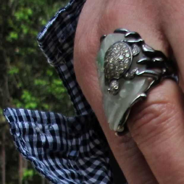 Kessaris ring
