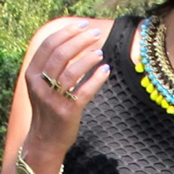 ring Daphne Valente
