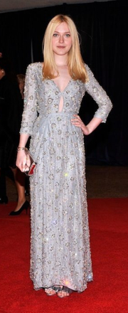 Dakota Fanning Silver Lace Gown