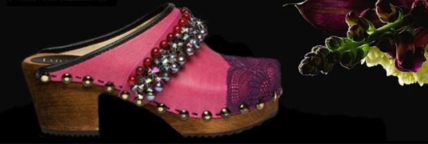 Lulu Vibes Pink Clogs