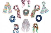 The comeback of the foulard (VIDEO)