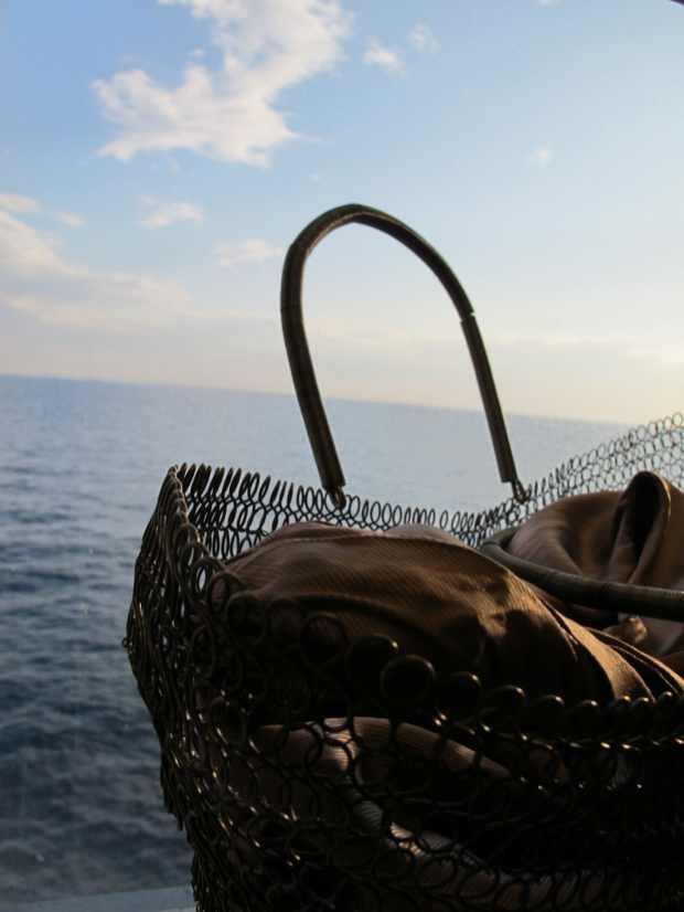 Metal woven handbag