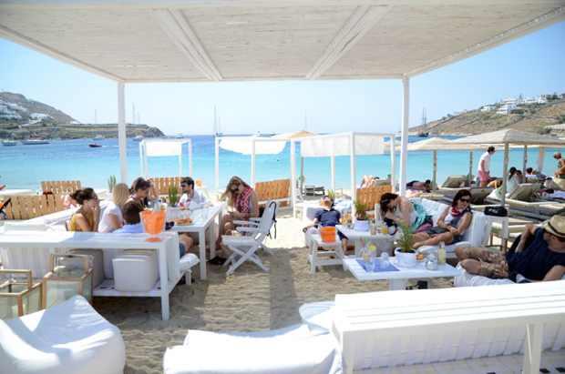 Mykonos beach blogger Chiara