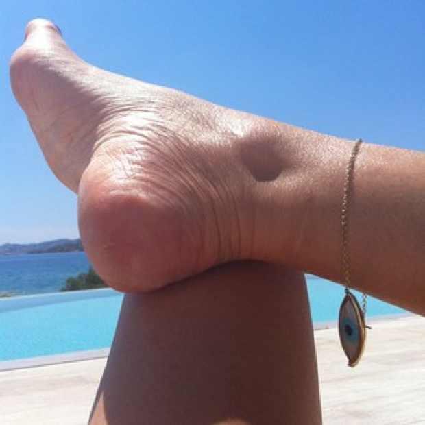 Pool feet anklet