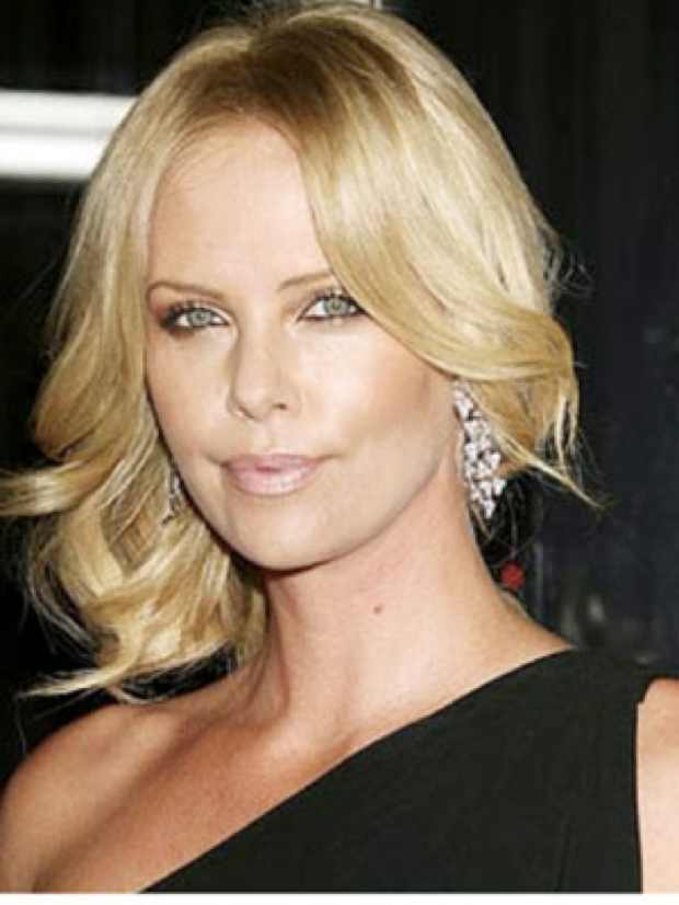 Celebrity Summer Hairstyle, Charlize Theron wavy