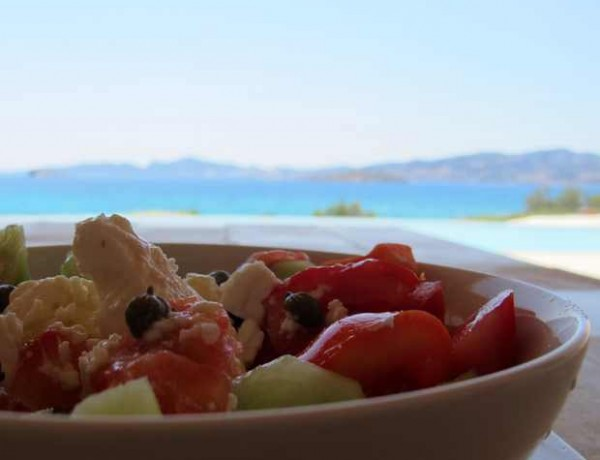 perfect choriatiki salata