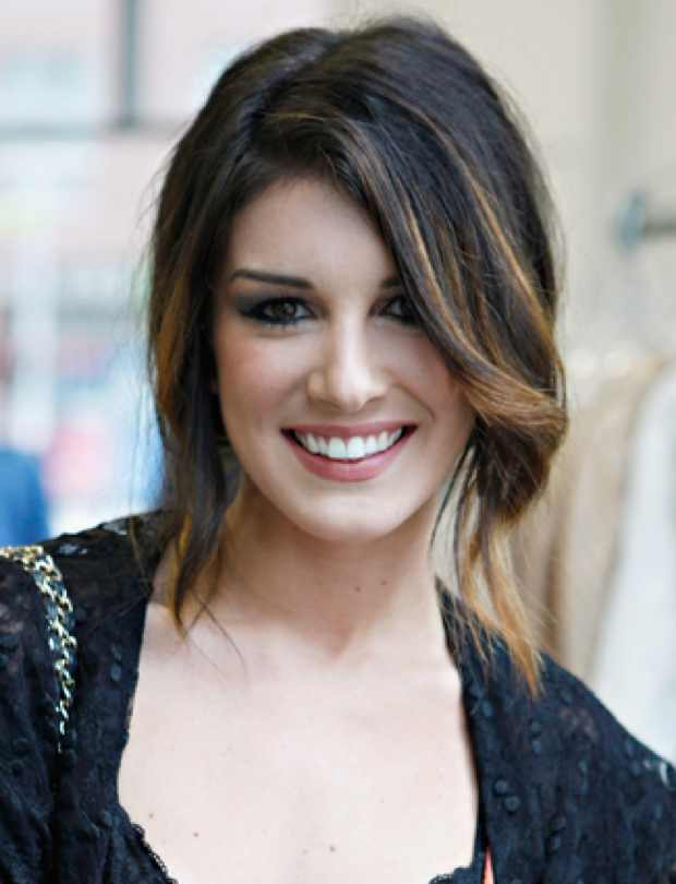 Celebrity Hairstyle Shenae Grimes' Messy Updo