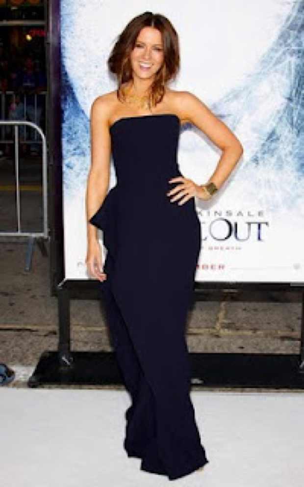 Kate Beckinsale boyish figure