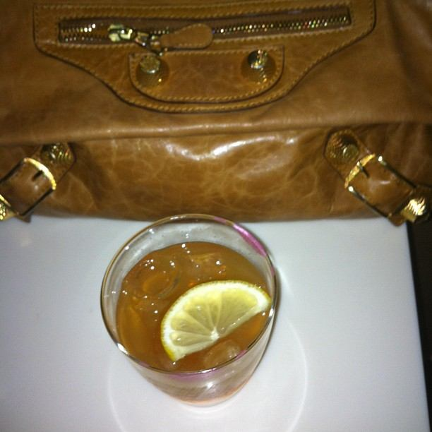 Balenciaga Clutch brown, Amaretto Lemon juice