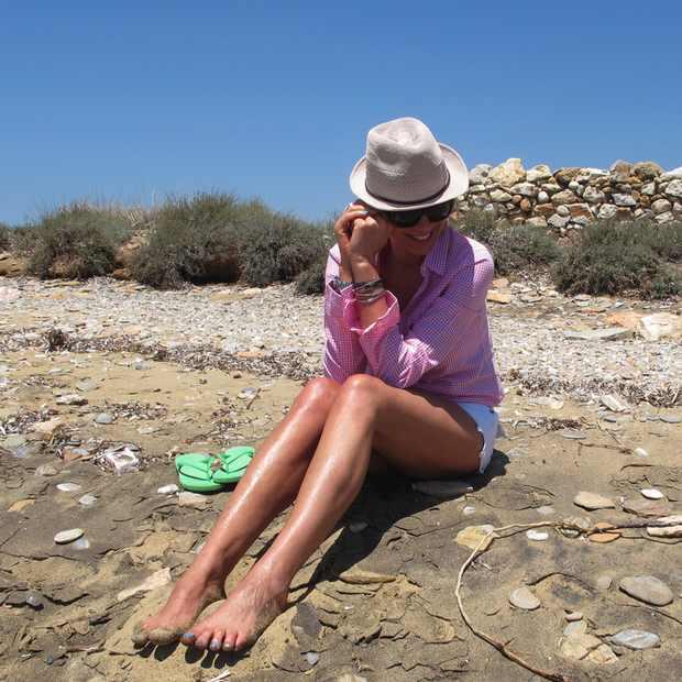 Beach Summer Pink shirt Outfit