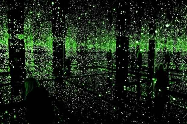 Infinity-Mirror-Room-at-Tate-Modern-London, green