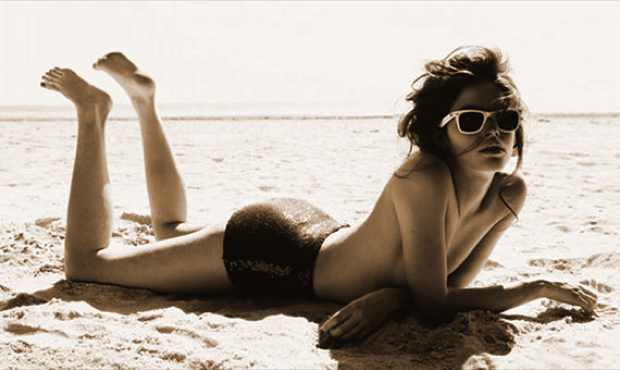 Model seas beach Lonneke Engel by Marcus Ohlsson
