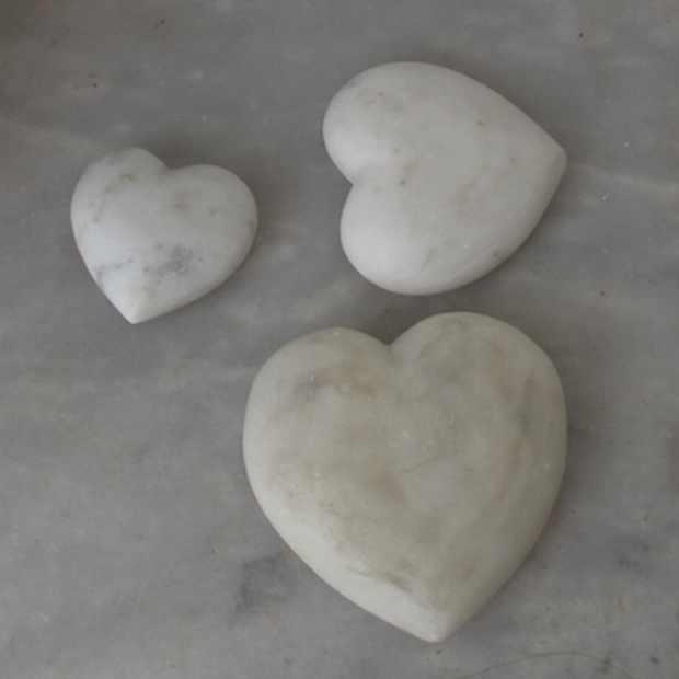 Yria Shop Paroikia Paros Marble hearts