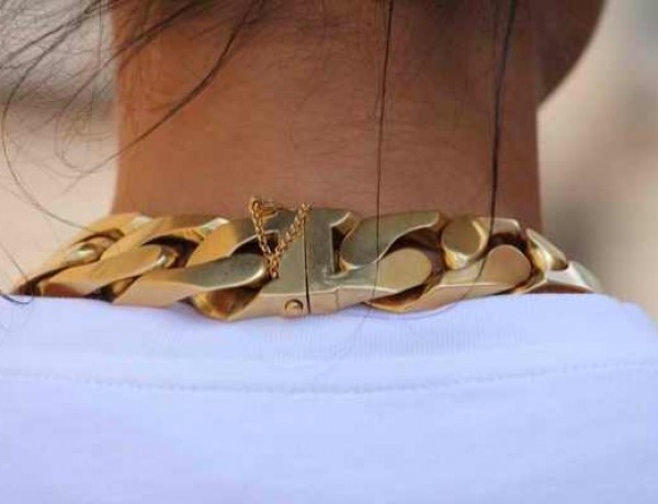 chain-necklace gold
