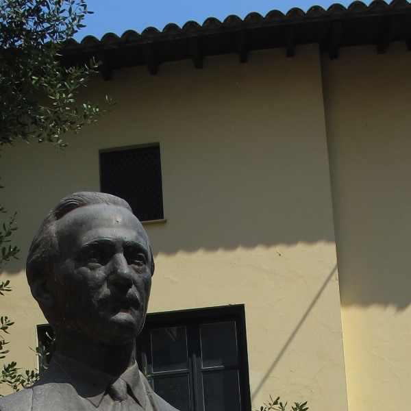 Alexandros Delmouzos Founder of Peiramatiko School