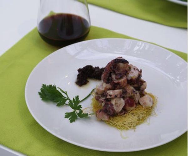 Levantis, paros, Octopus salad