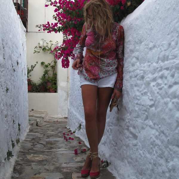 Pink flowers Skopelos, pink top. summer outfit
