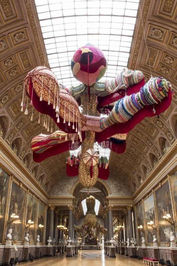 Versailles-Art1-600x899