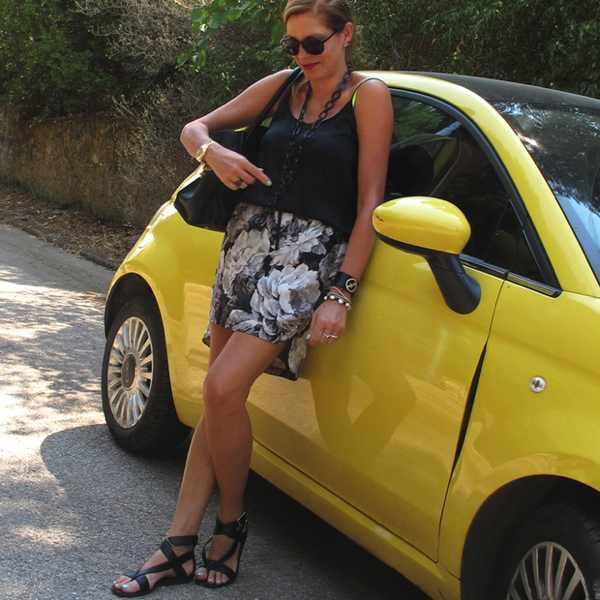 Zara black and white floral skirt yellow Fiat