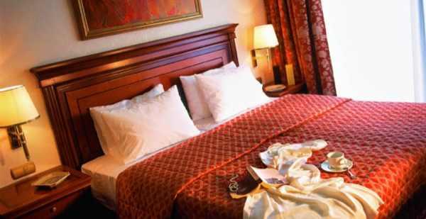 executive_suite_bedroom_0