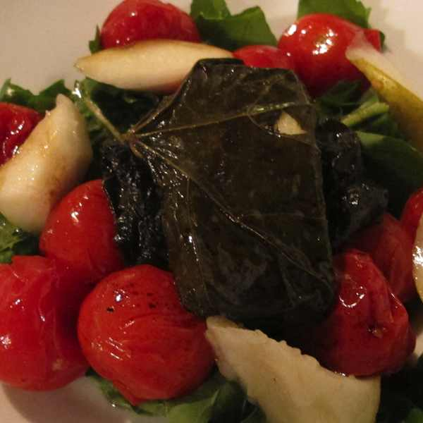 salad tomato haloumi