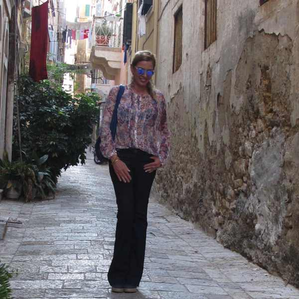 street style Corfu, Kerkyra, denim outfit, Nina Papaioannou, Fashion Blogger, Lifestyle Blogger, Travel Style Blogger, Trendsurvivor, Personal Style Blogger