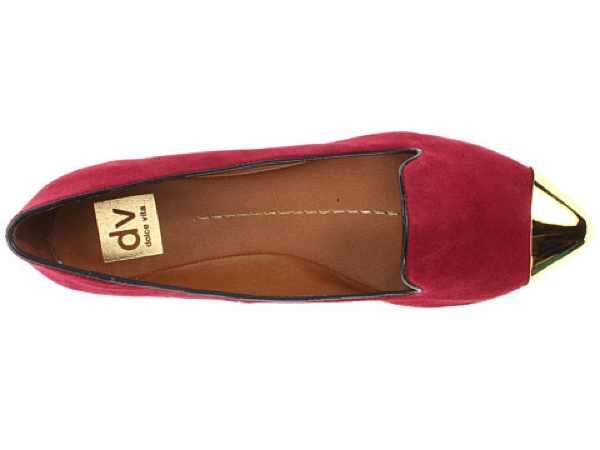 DV red slippers