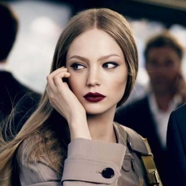 The New Eyeliner Effect, eyeliner burgundy lips
