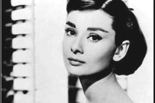 Audrey Hepburn winged eyeliner