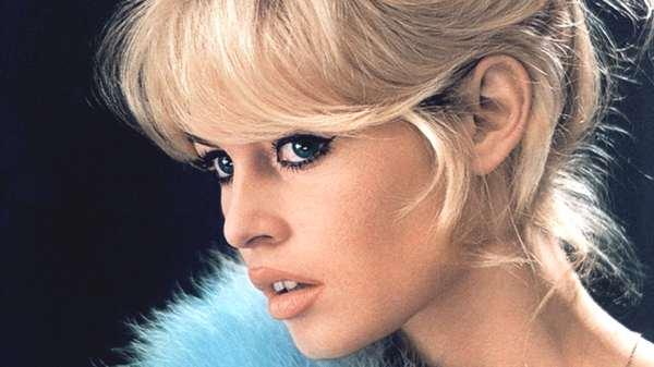 Brigitte Bardot winged eyeliner