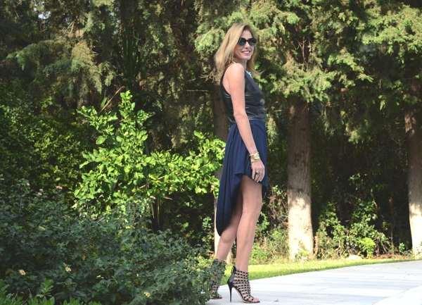 Re-edition-Maison-Martin-Margiela-with-HM-blue-skirt-Trendsurvivor
