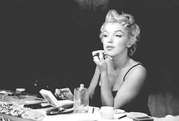 Winged eyeliner-Marilyn-Monroe-