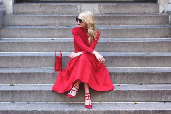 Total Red outfit - Atlantic Pacific- Gold hair